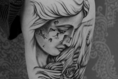 angelika gross tattoo wasserfall Statue